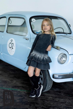 Čierne dievčenské bavlnené šaty imitácia rifloviny  MM 507 jeans black