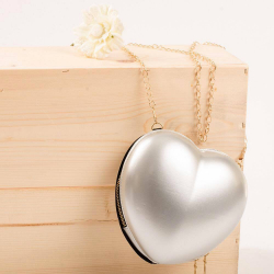 Dievčenská kabelka v tvare srdca silver