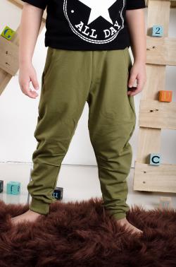 Chlapčenské bavlnené nohavice GREEN MM 641 army khaki