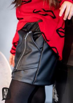 Dievčenská čierna koženková sukňa-kraťase 2v1 MM 542 black