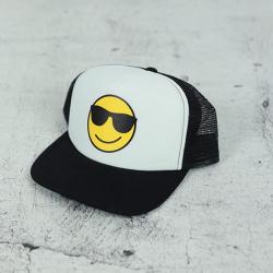 Čiernobiela chlapčenská šiltovka SMILE
