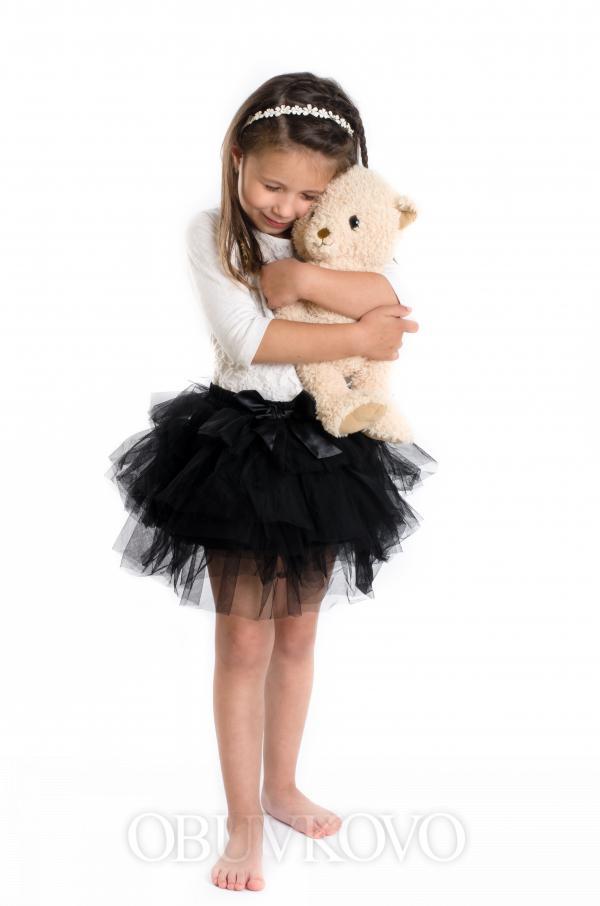 Bohatá tylová sukňa MM 503 čierna